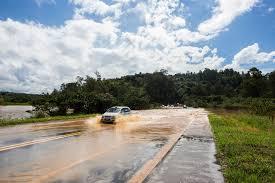 Detran.SP orienta motorista a dirigir com segurança com chuvas