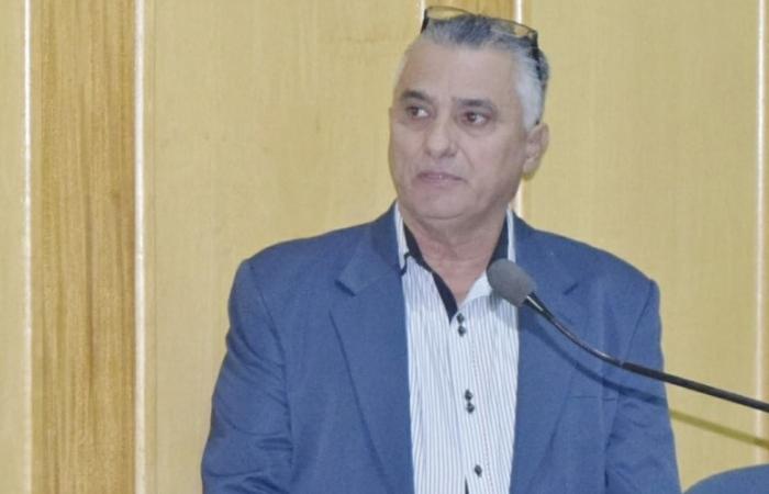 """Presidente da Casa Legislativa pede posição contra vereador que está """"manchando imagem institucional da Casa de Leis"""""""