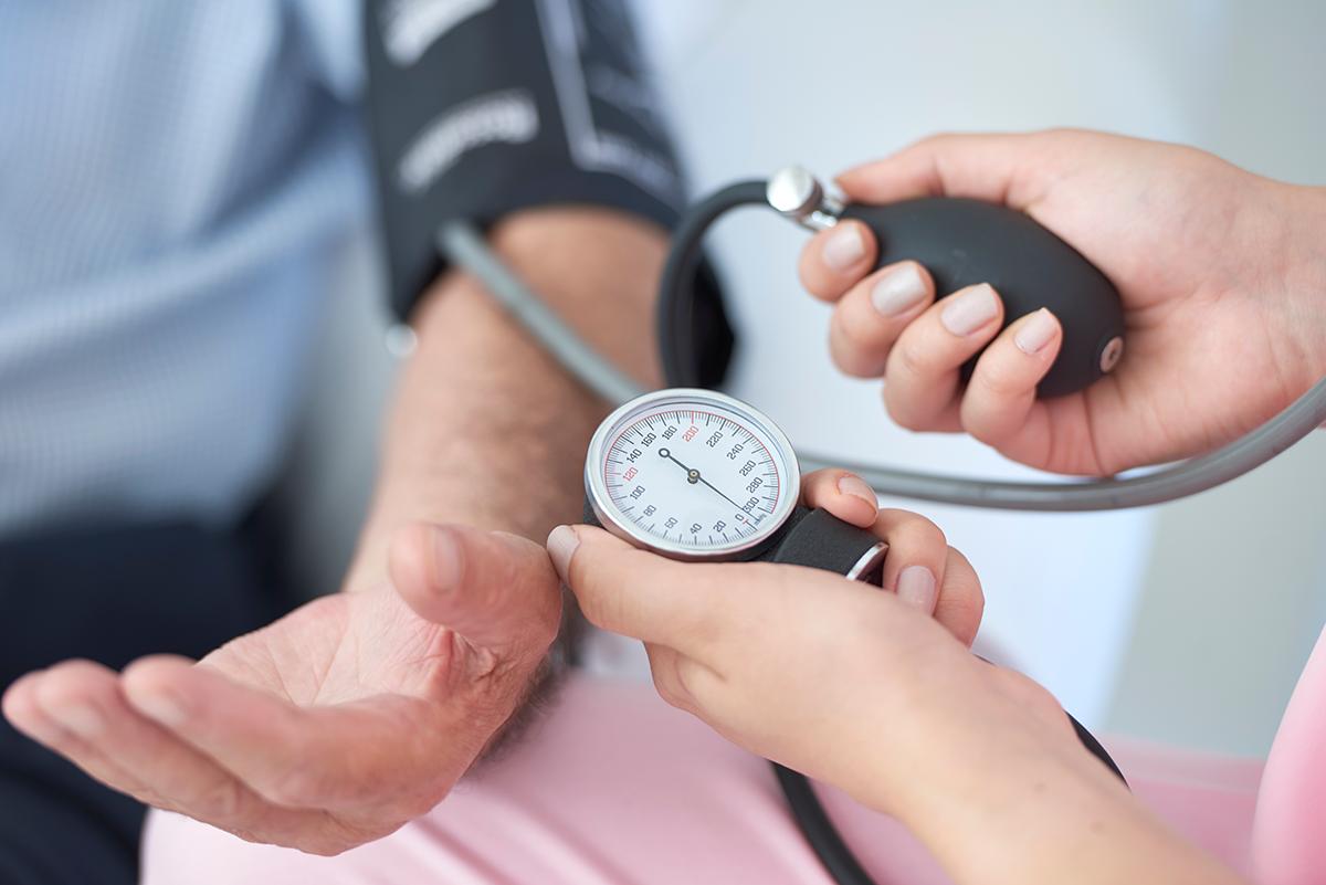 """Dia Mundial da Hipertensão Arterial: médicos alertam para os riscos da """"pressão alta"""""""