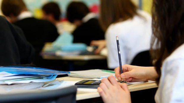 Cerca de 3.500 alunos retornaram às aulas nas escolas municipais de Garça ontem