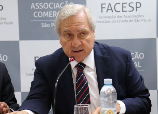 Associações Comerciais participam de ato contra as PECs 45 e 110 e a favor da desoneração da folha