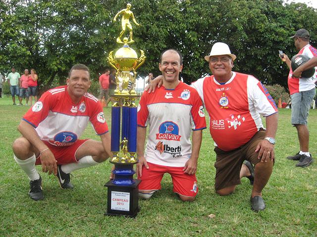 Futebol Suíço: Dinos é campeão inédito depois de 31 anos