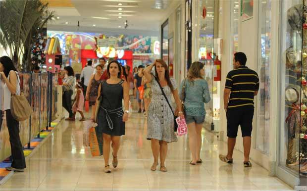 Volume de vendas do comércio varejista cresce 0,2% em outubro