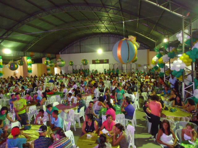 """""""Cores do Natal"""" reúne famílias atendidas pela Secretaria de Desenvolvimento Social"""